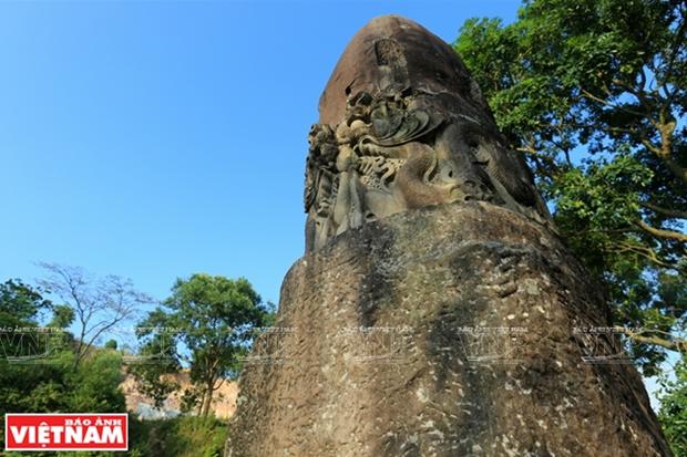 Misterio del pilar de piedra de la pagoda Dam hinh anh 1