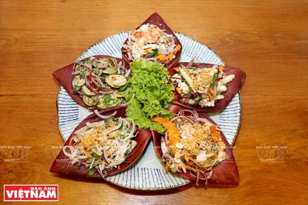 Plato de ensalada de cinco colores, tipico del sur de Vietnam hinh anh 1