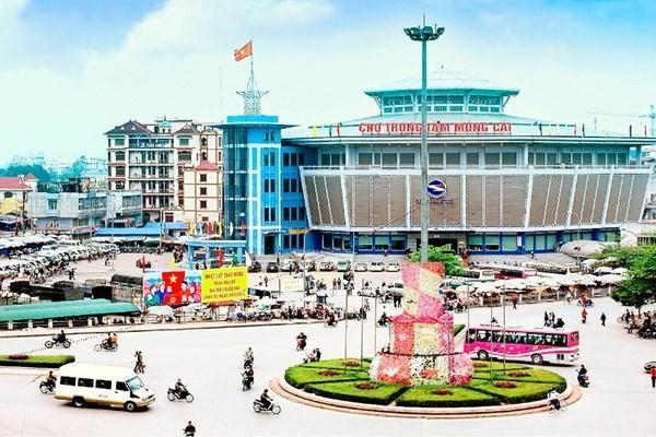 Ciudad vietnamita recibe a mas de 18 mil turistas extranjeros en cinco dias festivos hinh anh 1