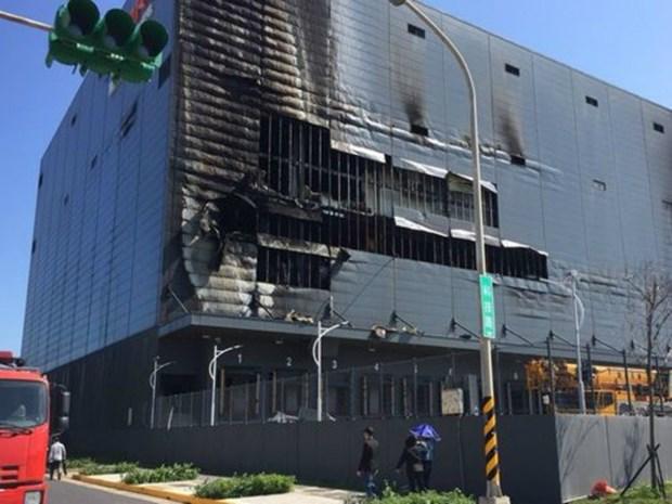 Tres vietnamitas muertos en un incendio de almacen en Taiwan hinh anh 1