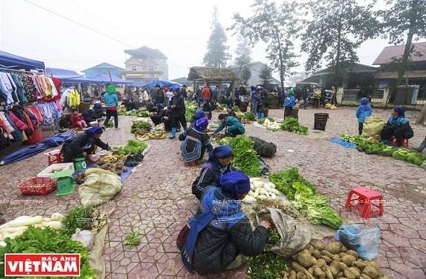 Mercado rural Y Ty, sitio favorito para comprar productos de grupos etnicos en Vietnam hinh anh 1
