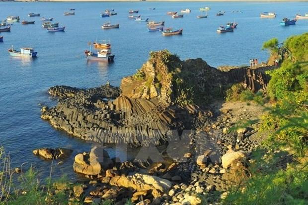 Gran concurrencia de turistas a provincia vietnamita de Phu Yen en dias feriados hinh anh 1