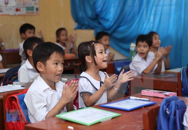 Notables resultados de Vietnam en erradicar el analfabetismo y universalizar la educacion hinh anh 1