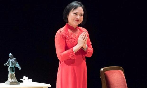 """Recibe premio de paz de Alemania Kim Phuc, """"nina del napalm"""" vietnamita hinh anh 1"""