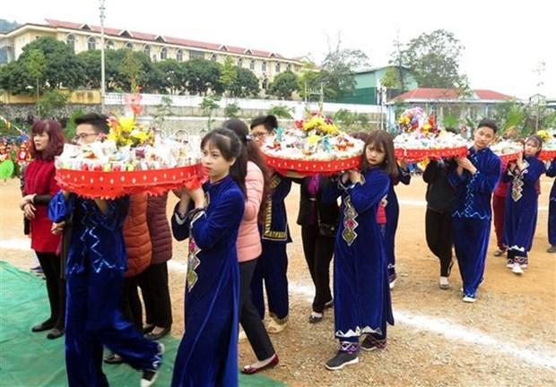 Etnia minoritaria Tay de Vietnam celebra su tradicional Festival Long Tong hinh anh 1
