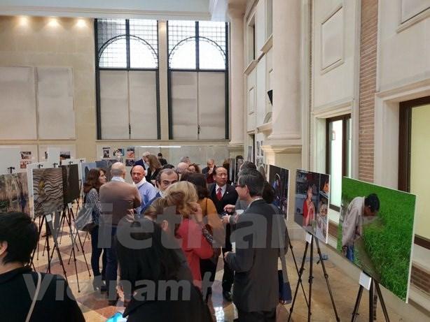 Exposicion fotografica en Madrid resalta belleza de Vietnam hinh anh 1