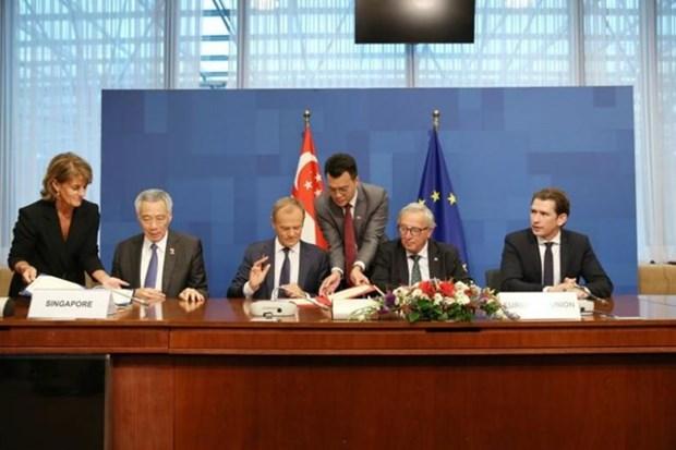 Aprueba UE aplicacion de tratado de libre comercio con Singapur hinh anh 1