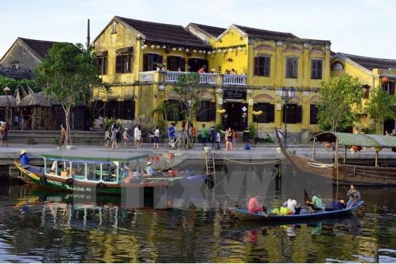 Figura ciudad vietnamita de Hoi An entre los lugares idoneos para los enamorados, segun CNN hinh anh 1