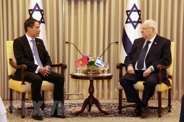 Presenta embajador de Vietnam cartas credenciales al presidente de Israel hinh anh 1