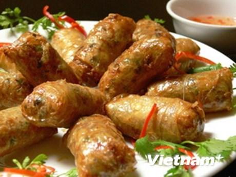 Rollito de primavera frito, plato mas popular de Vietnam hinh anh 1