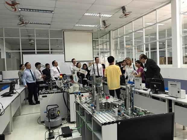 Facilita Vietnam fundacion de centros de formacion de oficios con inversion extranjera hinh anh 1