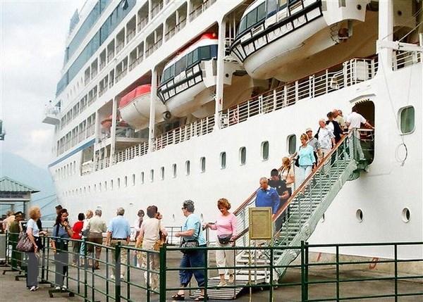 Vietnam promueve el desarrollo del turismo de cruceros hinh anh 1