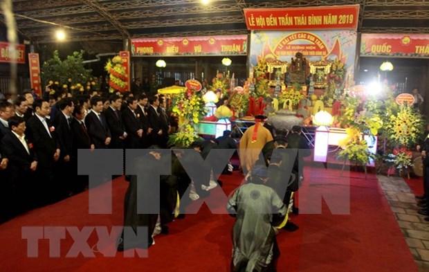 Celebran en Vietnam Festival del Templo Tran de Thai Binh hinh anh 1
