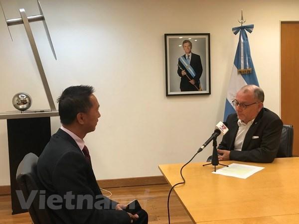 Califica canciller argentino a Vietnam como un importante socio economico hinh anh 1