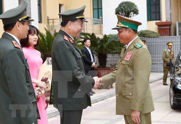 Fortalecen nexos entre Vietnam y Laos en seguridad publica hinh anh 1