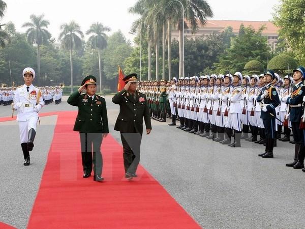 Resaltan en Vietnam aportes de diplomacia militar al fomento de nexos con otros paises hinh anh 1