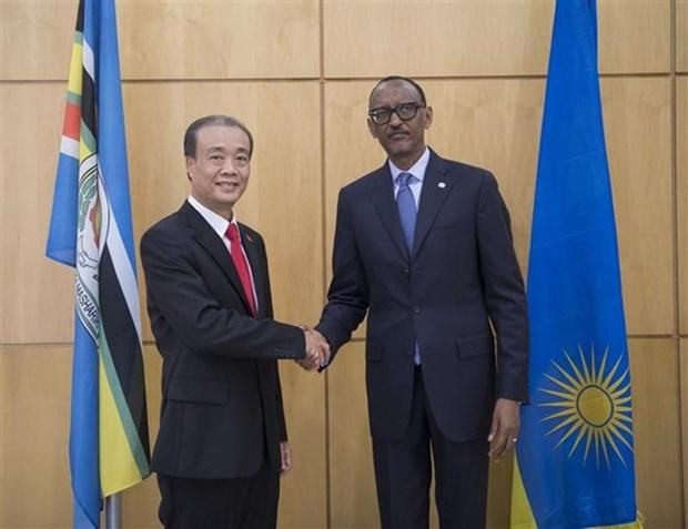Presenta embajador de Vietnam cartas credenciales al presidente de Ruanda hinh anh 1