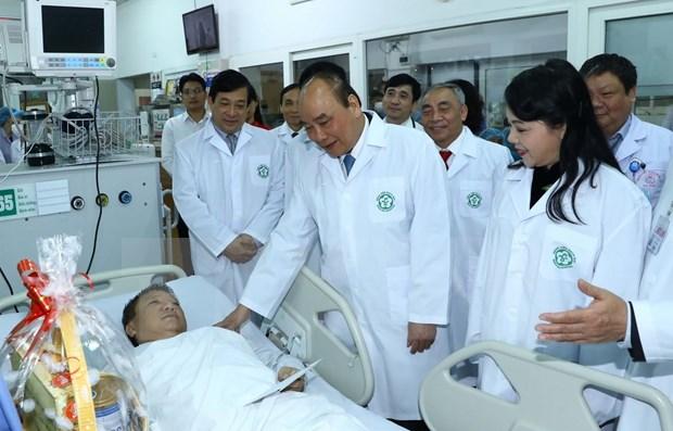 """Califica premier de Vietnam a los medicos como """"heroes silenciosos"""" hinh anh 1"""