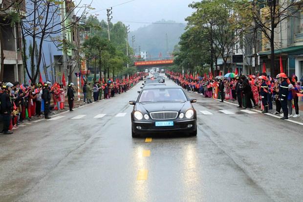 Comitiva del lider norcoreano Kim Jong-un parte hacia Hanoi hinh anh 1