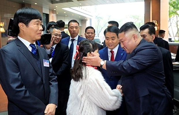 Presidente norcoreano Kim Jong-un arriba a Hanoi hinh anh 1
