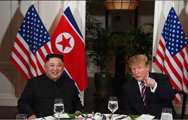 Presidente estadounidense Donald Trump se reune con lider norcoreano Kim Jong-un hinh anh 1