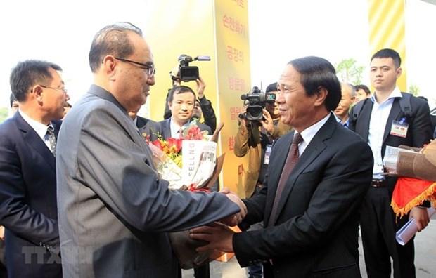 Delegacion del Partido del Trabajo de Corea del Norte visita ciudad vietnamita de Hai Phong hinh anh 1