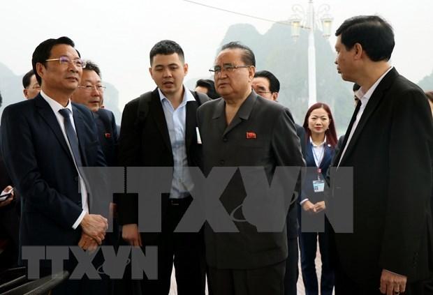 Delegacion de alto nivel de Corea del Norte visita Bahia de Ha Long hinh anh 1