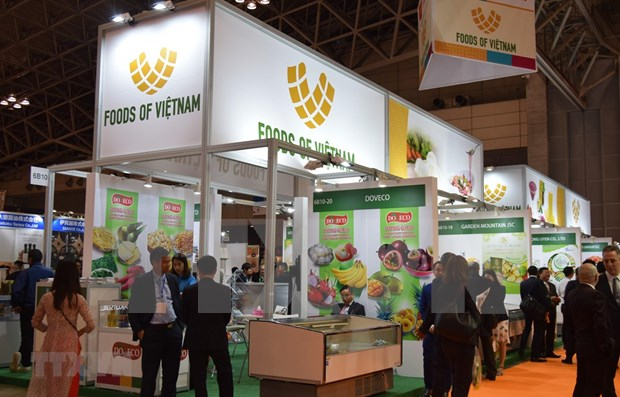 Acaparan productos vietnamitas atencion de visitantes en Feria de alimentos en Japon hinh anh 1
