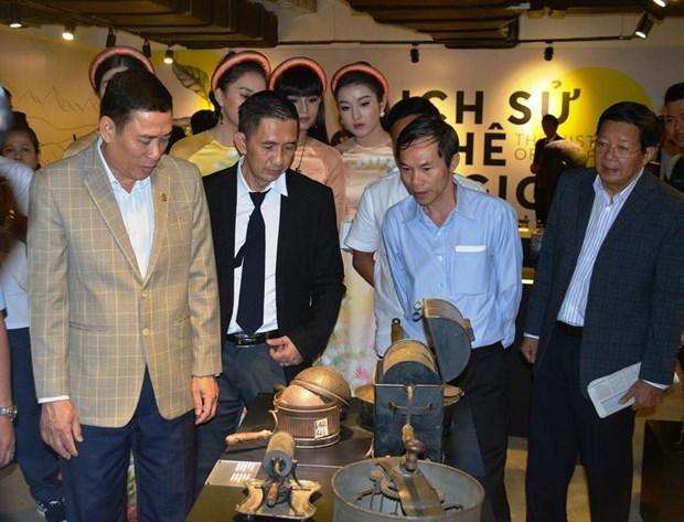 Exhibicion en Vietnam cuenta la historia de la industria cafetera mundial hinh anh 1