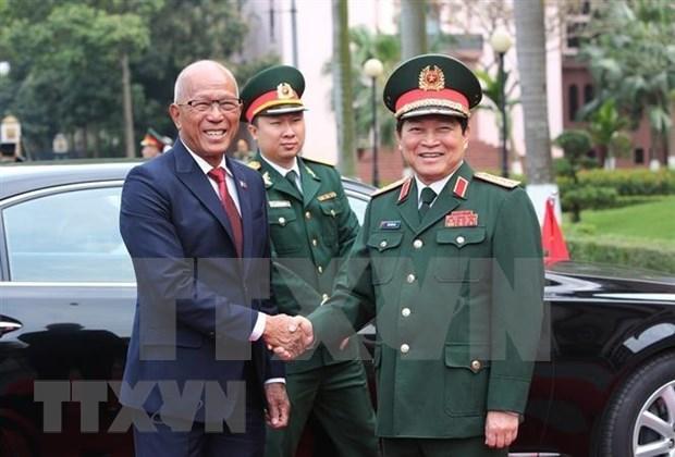 Acuerdan Vietnam y Filipinas fortalecer la cooperacion en defensa hinh anh 1