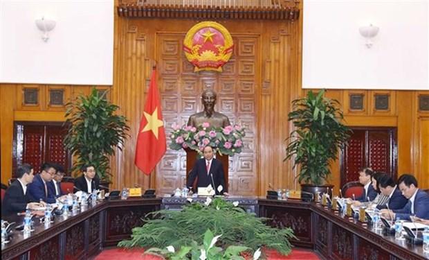 Premier vietnamita aboga por impulsar desarrollo de sector automovilistico nacional hinh anh 1