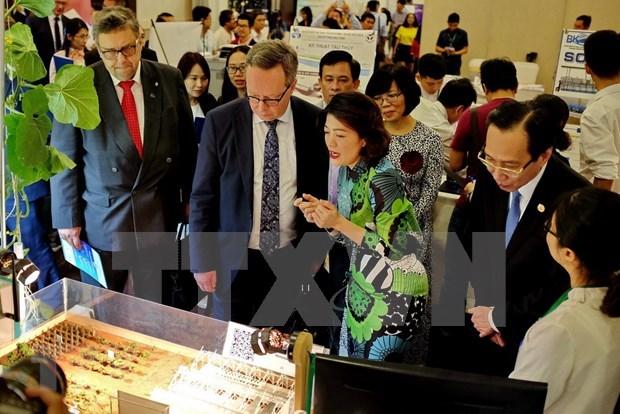 Recibiran innovadores vietnamitas apoyo financiero de Australia hinh anh 1