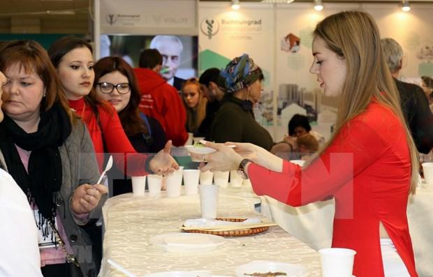 Presentan gastronomia vietnamita en Feria Internacional de Turismo en Rusia hinh anh 1