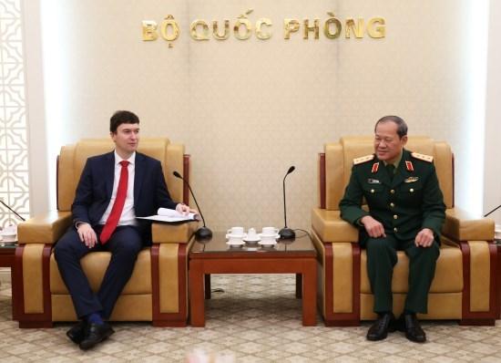 Impulsan Vietnam y Republica Checa cooperacion en defensa hinh anh 1