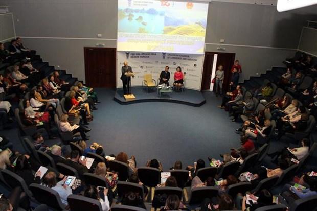 Vietnam presenta potencial turistico en Ucrania hinh anh 1
