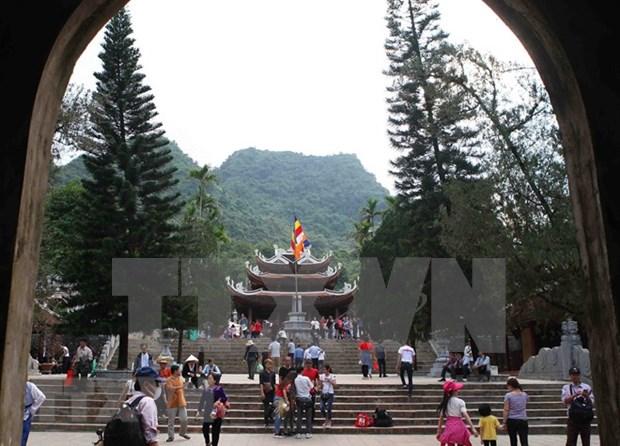 Festejo de Pagoda Huong de Vietnam atrae a mas de un millon de visitantes hinh anh 5
