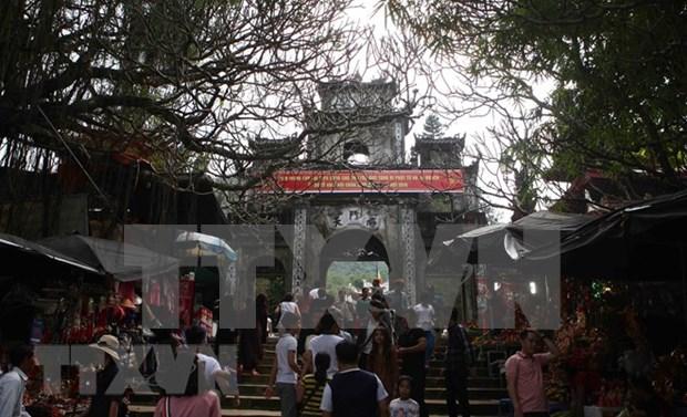 Festejo de Pagoda Huong de Vietnam atrae a mas de un millon de visitantes hinh anh 4