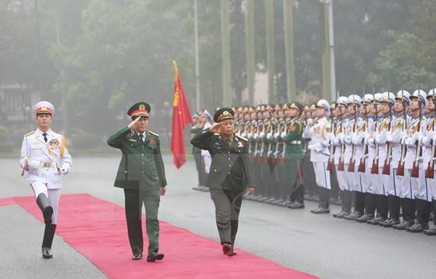 Realiza delegacion militar laosiana de alto nivel visita a Vietnam hinh anh 1