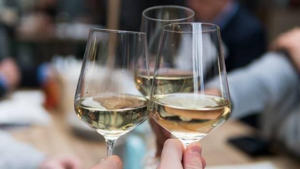 Perfecciona Vietnam politicas sobre el consumo de bebidas alcoholicas hinh anh 1
