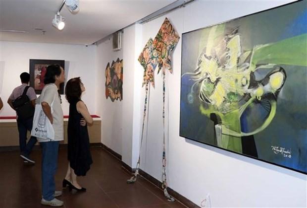 Participa artista multimedia estadounidense en exhibicion de arte contemporaneo en Vietnam hinh anh 1