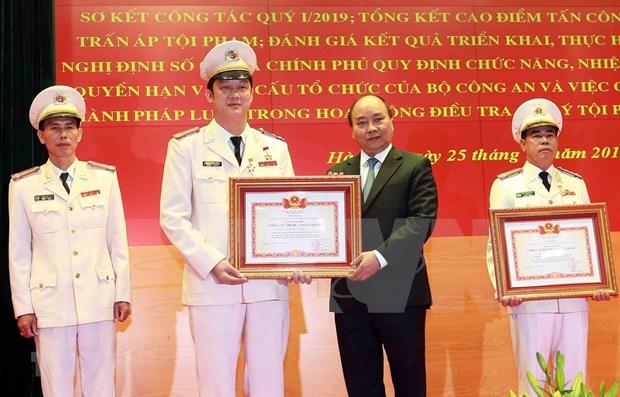 Pide premier de Vietnam perfeccionar la calidad de la policia nacional hinh anh 1