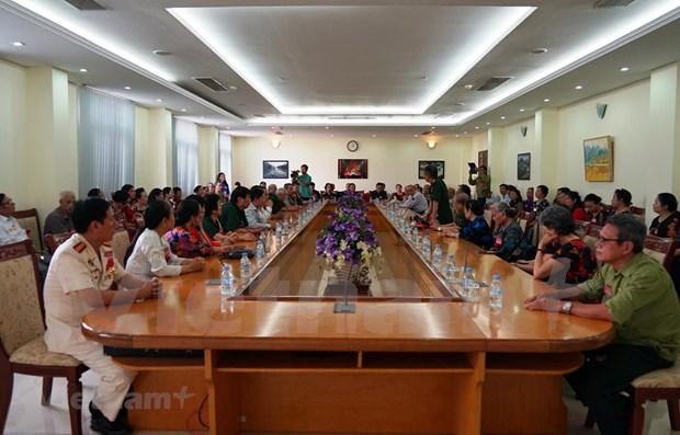 Ex soldados voluntarios y expertos vietnamitas visitan Camboya hinh anh 1