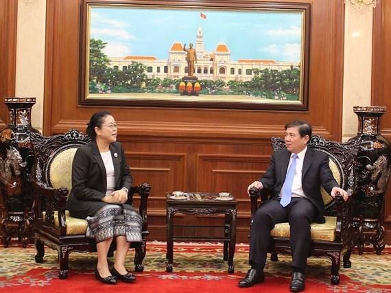 Nueva consul laosiana se compromete a impulsar nexos entre su pais y Vietnam hinh anh 1
