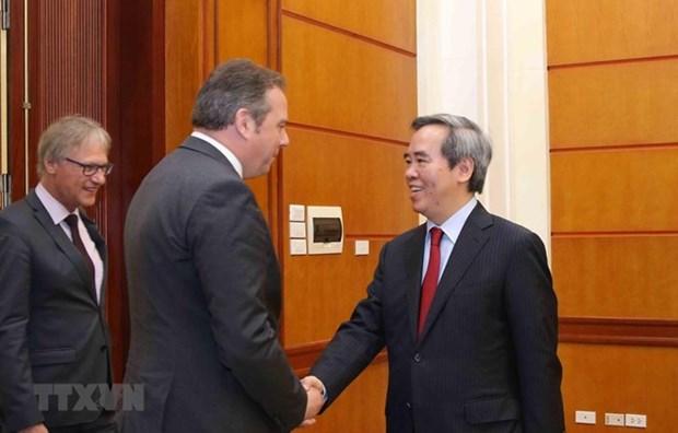 Fomenta Partido Comunista de Vietnam relaciones con fuerzas politicas de Alemania hinh anh 1