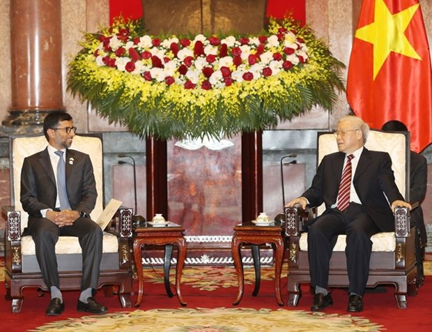 Maximo dirigente politico de Vietnam resalta potencial de cooperacion duradera con EAU hinh anh 1