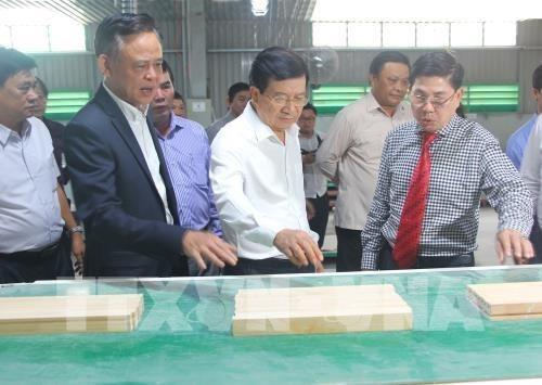 Vicepremier de Vietnam exhorta a controlar el uso de bosques naturales hinh anh 1