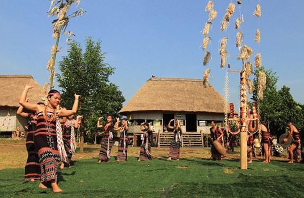 Efectuan en Hanoi diversos programas en saludo al Dia Cultural de las etnias nacionales hinh anh 1