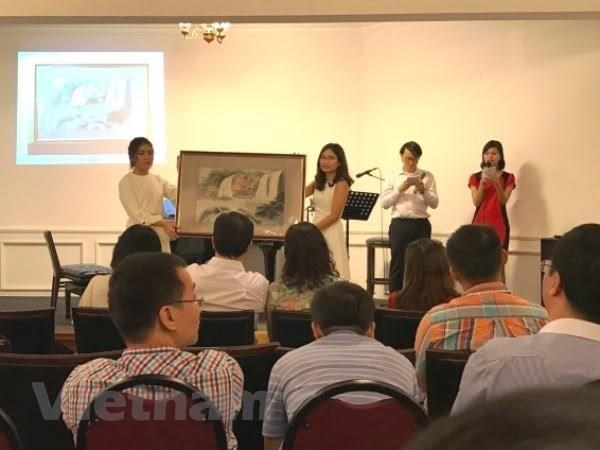 """Brinda Fondo """"Acompanamiento"""" apoyo a estudiantes vietnamitas hinh anh 1"""