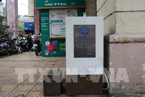 Instalan en capital de Vietnam grifos gratuitos de agua potable hinh anh 1