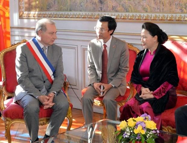 Presidenta del Parlamento vietnamita se reune con alcalde de la ciudad francesa de Toulouse hinh anh 1